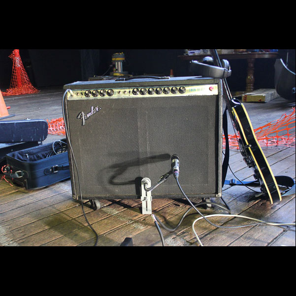 Bergerk Mobile Studio & CSY Mount on a Fender Twin Combo(4)