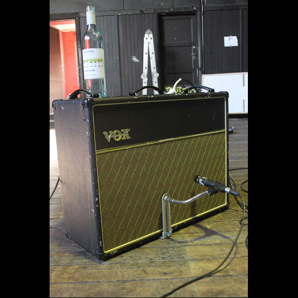 Bergerk Mobile Studio & CSY Mount on a Vox AC30(3)